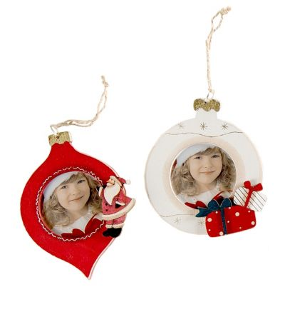 Christmas Tree Wooden Bauble White Present
